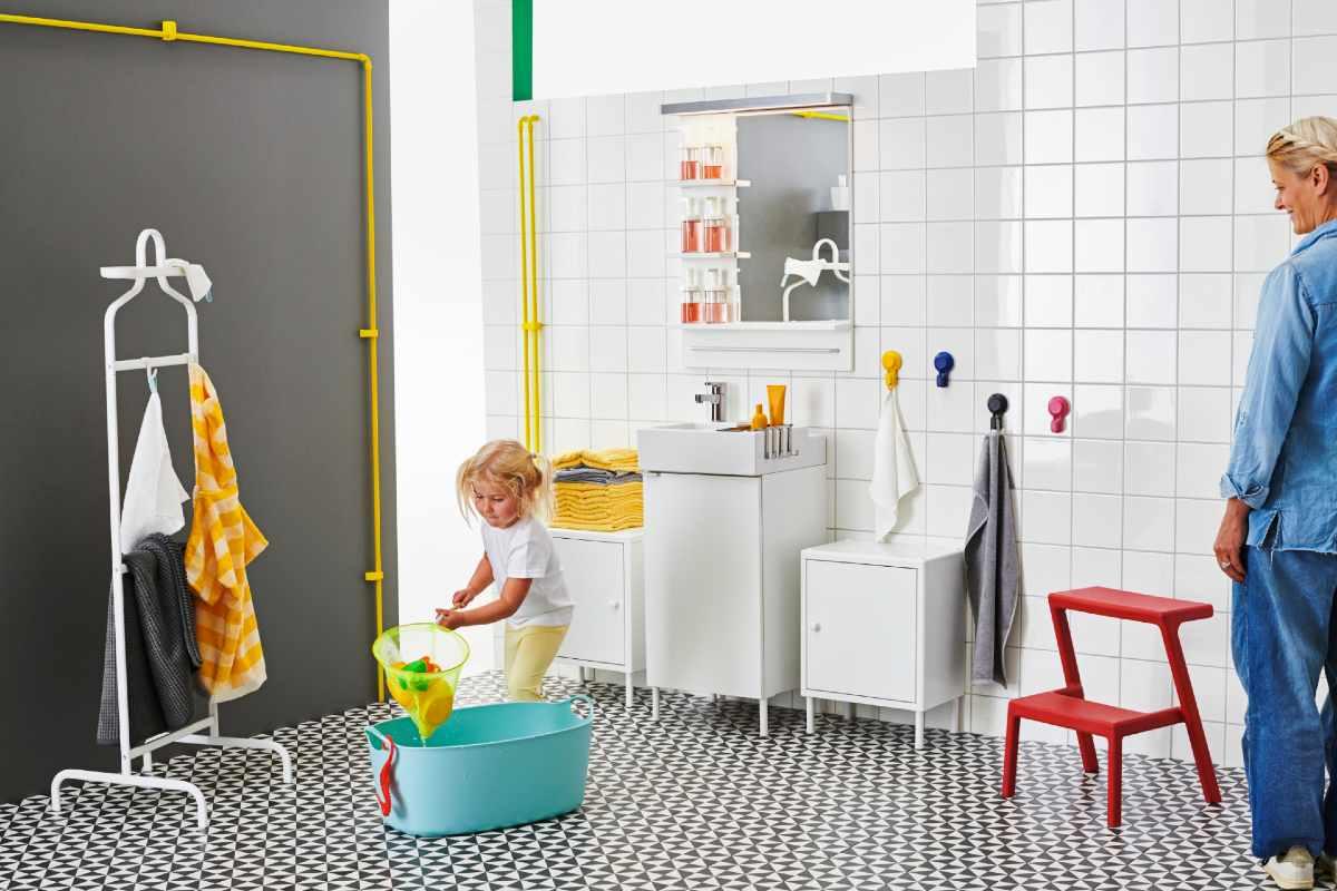 Baño con accesorios para niños