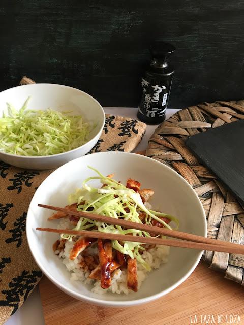 arroz-con-pollo-y-col-cruda