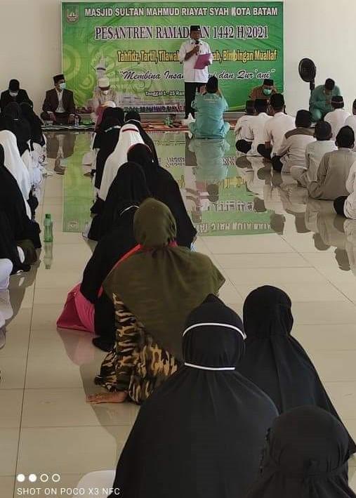 Mewakil Walikota Batam, Samudin Membuka Pesantren Ramadhan di  Masjid Sultan Mahmud Riayat Syah