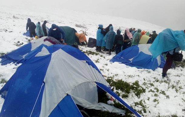 Евакуація туристів у Карпатах: з'явилися подробиці