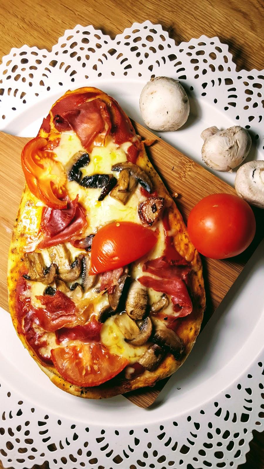 4 Quick And Easy Prosciutto di Parma Ham Naan Bread Pizzas