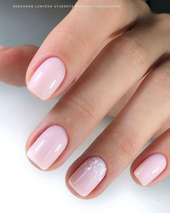 very gentle nail art for this spring