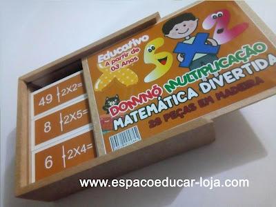 https://www.espacoeducar-loja.com/9017998-DOMINO-DA-MULTIPLICACAO-EM-MADEIRA-EDUCATIVO