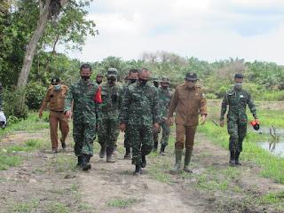 Danrem Brigjen TNI M. Zulkifli Tinjau Langsung Lokasi Pelaksanaan Program TMMD Kodim Batanghari