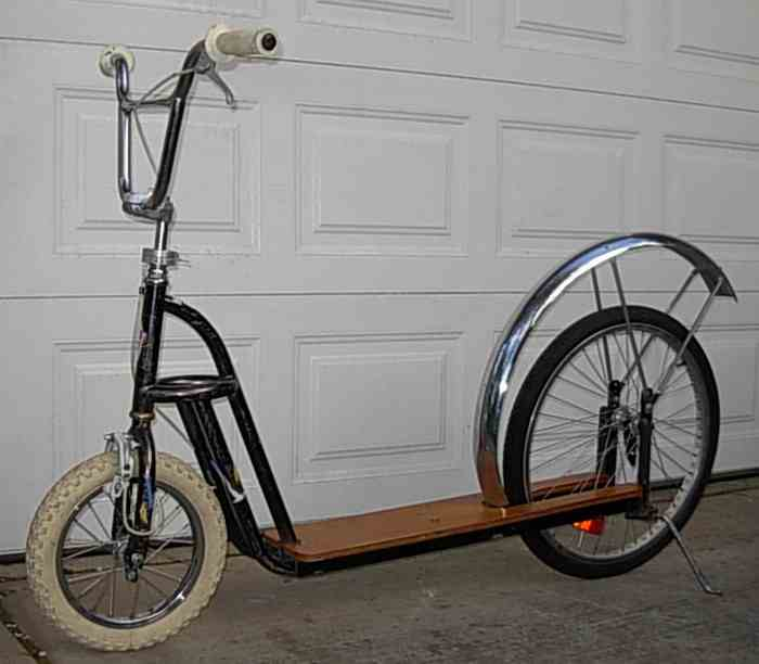 Nimbus 2000, trottinette par Whymcycle