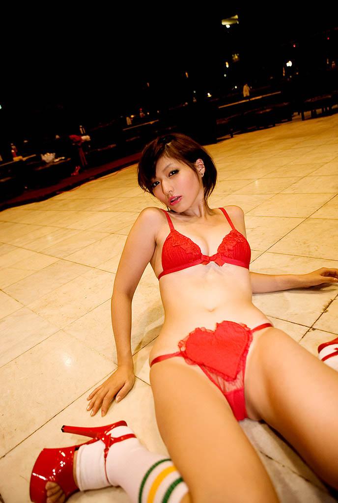 yuka kyomoto sexy pics