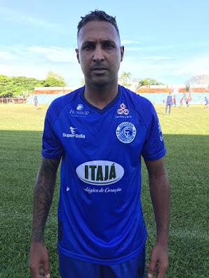 Goianésia anuncia a contratação do atacante Fabinho