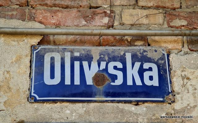 tabliczka Targówek ulice Targówka Bródno kolej czerwona cegła kolejowe przedwojenne XIX wiek architektura architecture