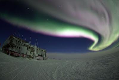 Pemandangan di Antartika. Sumber foto: antarcticsun.usap.gov