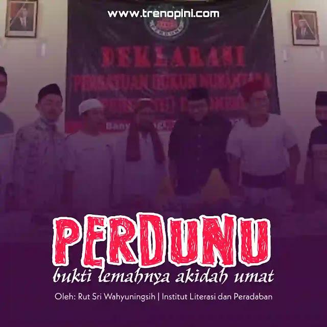 mereka yang mengaku dukun dan paranormal di Banyuwangi bersatu deklarasikan Perdunu (Persatuan Dukun Nusantara).