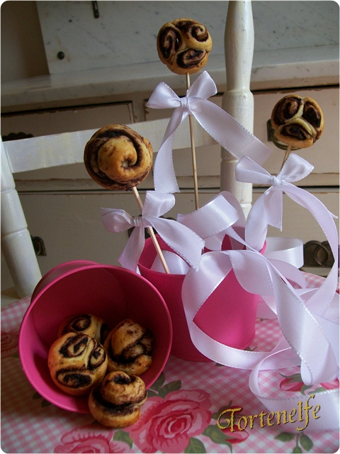 Tortenelfes Blog Backe Backe Kuchen Mini Kuchen Am Stiel