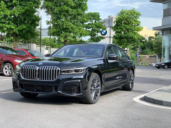 BMW 740Li phiên bản M Sport 2020 chính hãng về Việt Nam
