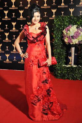 Tina Taliza gaun merah rapi dan anggun harga murah diskon belanja Online