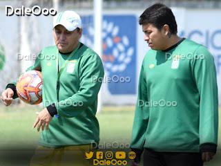 Luis Marín Camacho y Romel Quiñónez en la práctica de Oriente Petrolero - DaleOoo