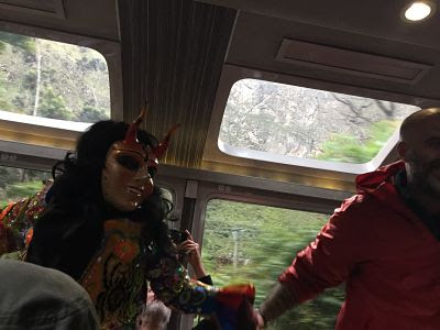 Vistadome. Perurail. Tren de Aguas Calientes a Ollantaytambo