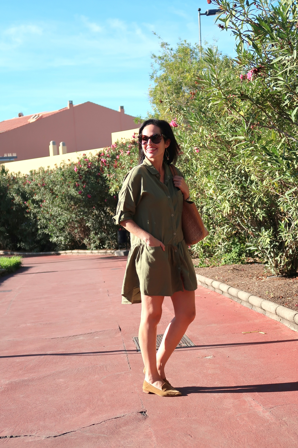 zara-khaki-dress-daily-looks-gema-betancor