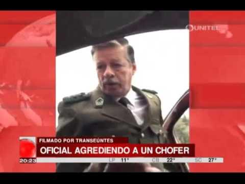 VIDEO: OFICIAL DE LA POLICÍA AGREDE Y AMENAZA A UN CONDUCTOR EN LA PAZ