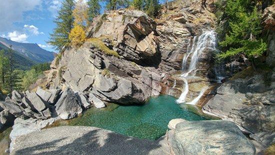 Itinerari di 2 giorni in valle d'Aosta - Cascata di Lillaz Cogne
