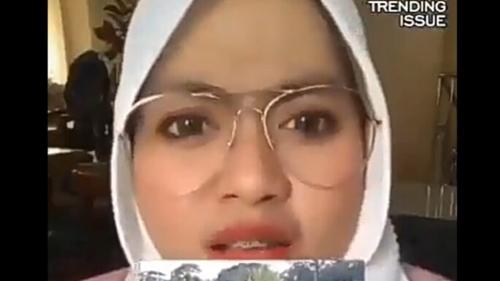 Heran Polisi Sibuk Tangkap Orang Mudik, Wanita Kacamata: WNA Malah Bebas Masuk Indonesia