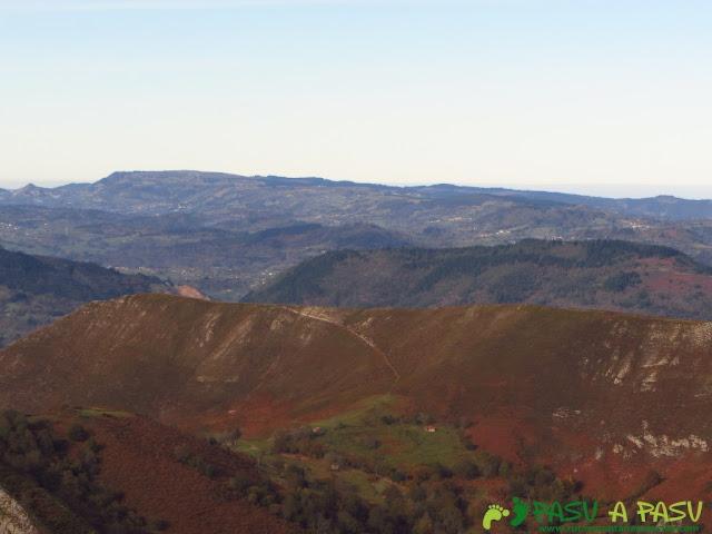 Vista del Pico Fario desde el Torre en Piloña