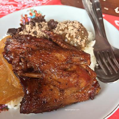 Warung Makan Ayam Goreng Bacem Mbok Sum