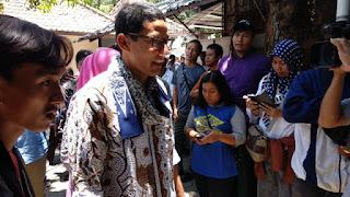 Sandiago Uno Berjanji Kembangkan Batik Paoman Yang Menjadi Motif Khas Indramayu