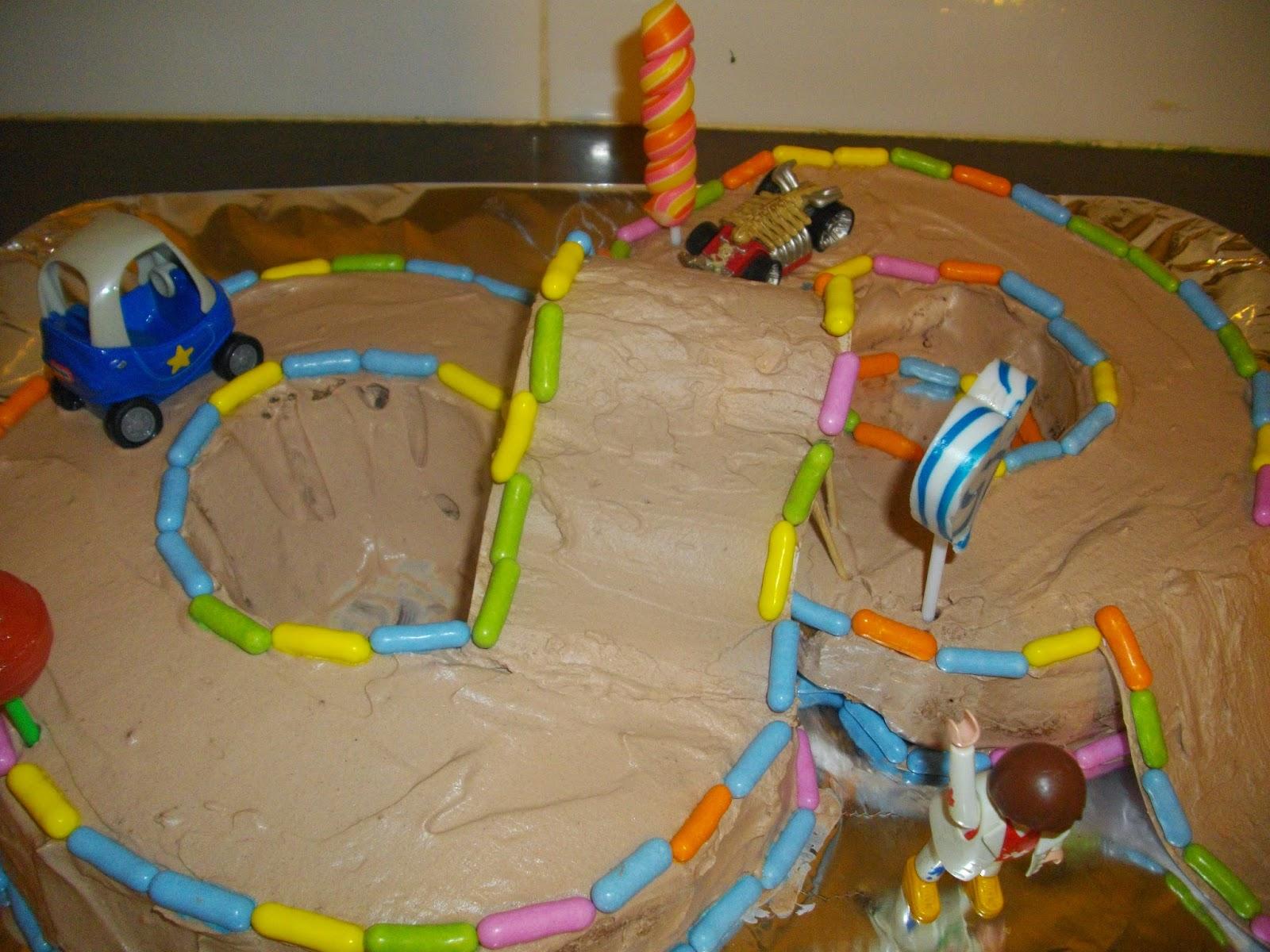 IMGP5063 - עוגת יומולדת מרוץ מכוניות