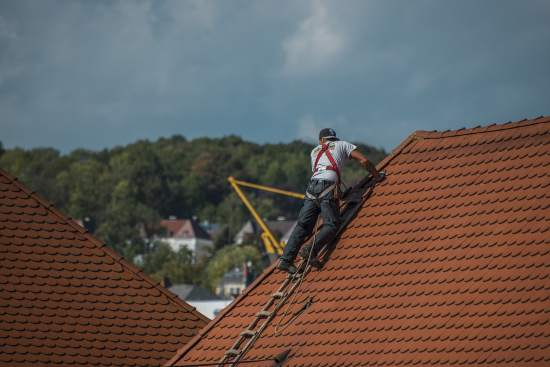 Safety Toolbox Talk - Working on Fragile roof at height