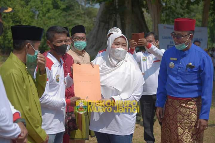 Bupati Masnah Sambut Peserta KKN Kebangsaan dan KKN Bersama BKS PTN di Candi Muarojambi