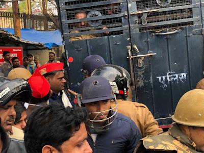 Akhilesh Yadav Protest Against CAA NRC Arrested Police Uttar Pradesh News