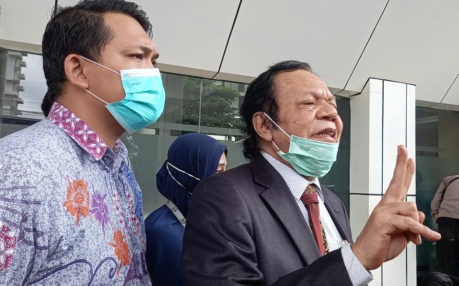 Sopirnya Ditangkap Gegara Bawa Sajam, Pengacara Habib Rizieq: Itu Mah Buat Potong Mangga!