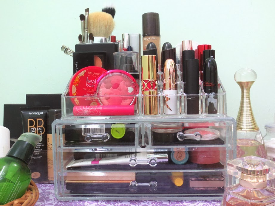 How to Display Organise Makeup Cosmetic Vanity