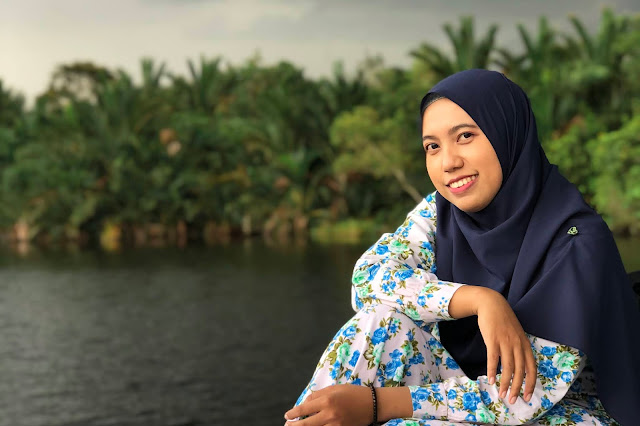 Wisata kapal susur sungai di kampung kencana