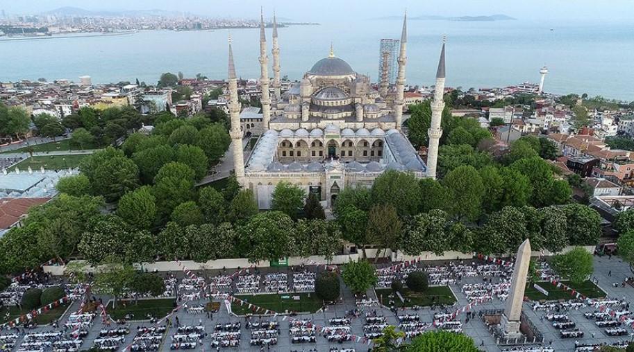 istanbul anadolu yakası tarihi ve doğal gezi yerleri sultanahmet meydanı