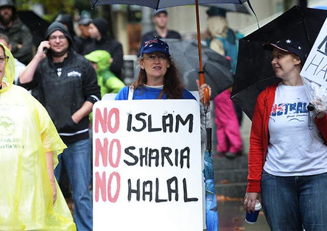 Alquran Diludahi dan Dibakar di Swedia, Kita Sekarang Hidup di Masa Islamofobia