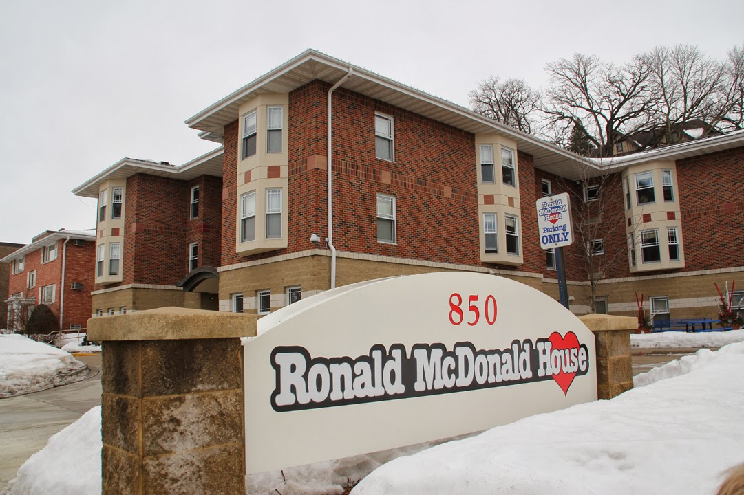 100 hats to the Ronald McDonald House in Rochester | Team Yarn