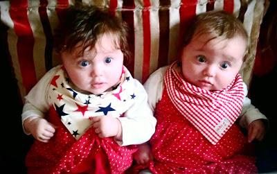 bayi-kembar-yang-lucu-banget