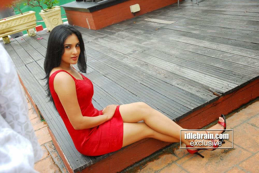 Wsww: Ramya(Divya Spandana) Hot Navel N Thigh Stills
