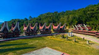 Ukiran Dinding Tongkonan Toraja