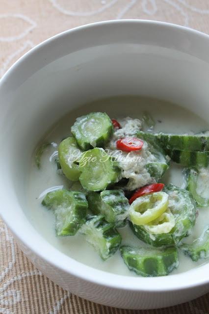 saya telah biasa dihidangkan dengan masakan Masak Lemak Putih pelbagai jenis sayuran sepe Masak Lemak Putih Petola Versi Kelantan
