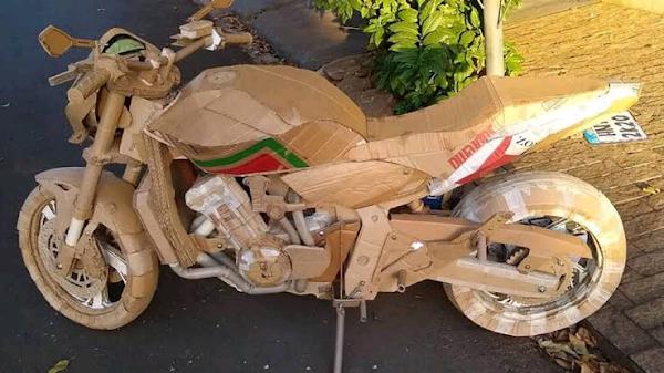 Brazilian sculptor creates cardboard motorcycle replicas