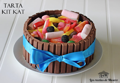Tarta Con Decoración De Kit Kat