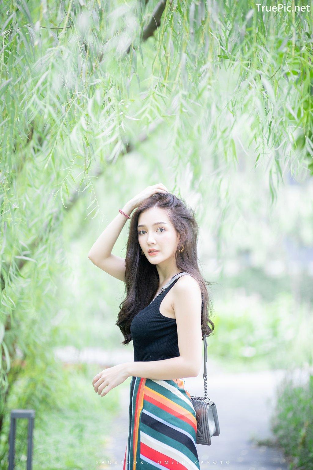 Image-Thailand-Model-Rossarin-Klinhom-Beautiful-Girl-Lost-In-The-Flower-Garden-TruePic.net- Picture-3