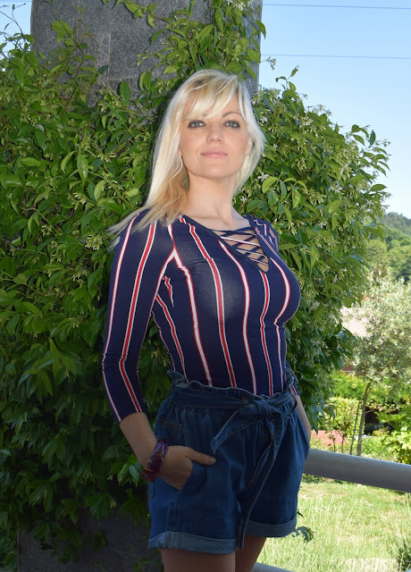 outfit maglia a righe come abbinare le righe outfit righe striped outfit how to wear stripes maglia a righe mariafelicia magno fashion blogger colorblock by felym fashion bloggers italy Italian fashion bloggers blogger di moda blogger bionde