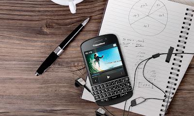 El Poder de BlackBerry 10 con el clásico teclado BlackBerry Caracas, Venezuela – BlackBerry® (NASDAQ: BBRY; TSX: BB) lanza hoy el nuevo smartphone BlackBerry® Q10 impulsado por BlackBerry® 10 en Venezuela. Construido con precisión y ofreciendo un desempeño sobresaliente en un diseño que perdura en el tiempo, el smartphone BlackBerry Q10 combina el mejor teclado físico de BlackBerry y una pantalla táctil con el poder de la plataforma BlackBerry® 10 que te ayudara a comunicarte de manera más rápida y eficiente. El BlackBerry Q10 incluye hardware avanzado, características de comunicación y multimedia, y posee una bacteria de larga duración que