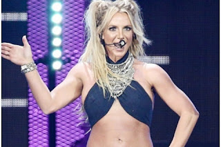 Video: Britney Spears's leg broken inside the studio, watch the video of the incident here