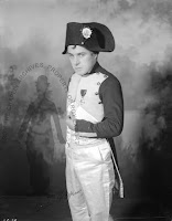 Чаплин в роли Наполеона - 2
