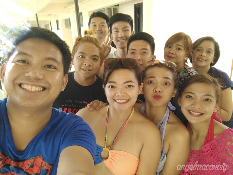 Groupfie with my family! Ready for the water activities!!