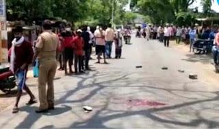 ट्रक की चपेट में आने से युवक की हुई दर्दनाक मौत | #NayaSaberaNetwork