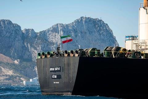 Washington dollármilliókat ajánlott az iráni olajat szállító tanker kapitányának a hajó eltérítéséért